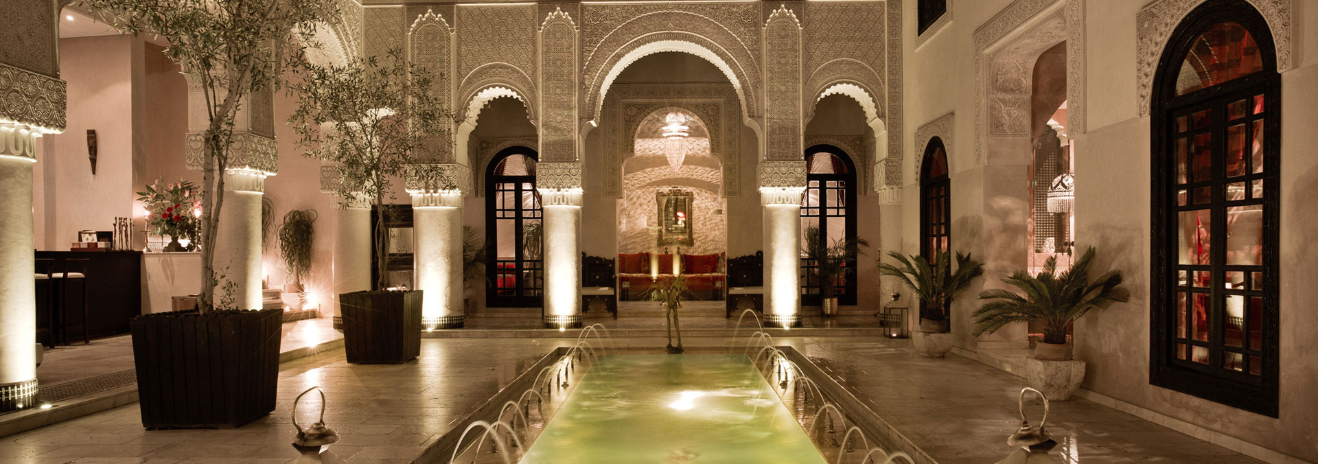 visit the medina of fez and explore the main sights of this imperial city